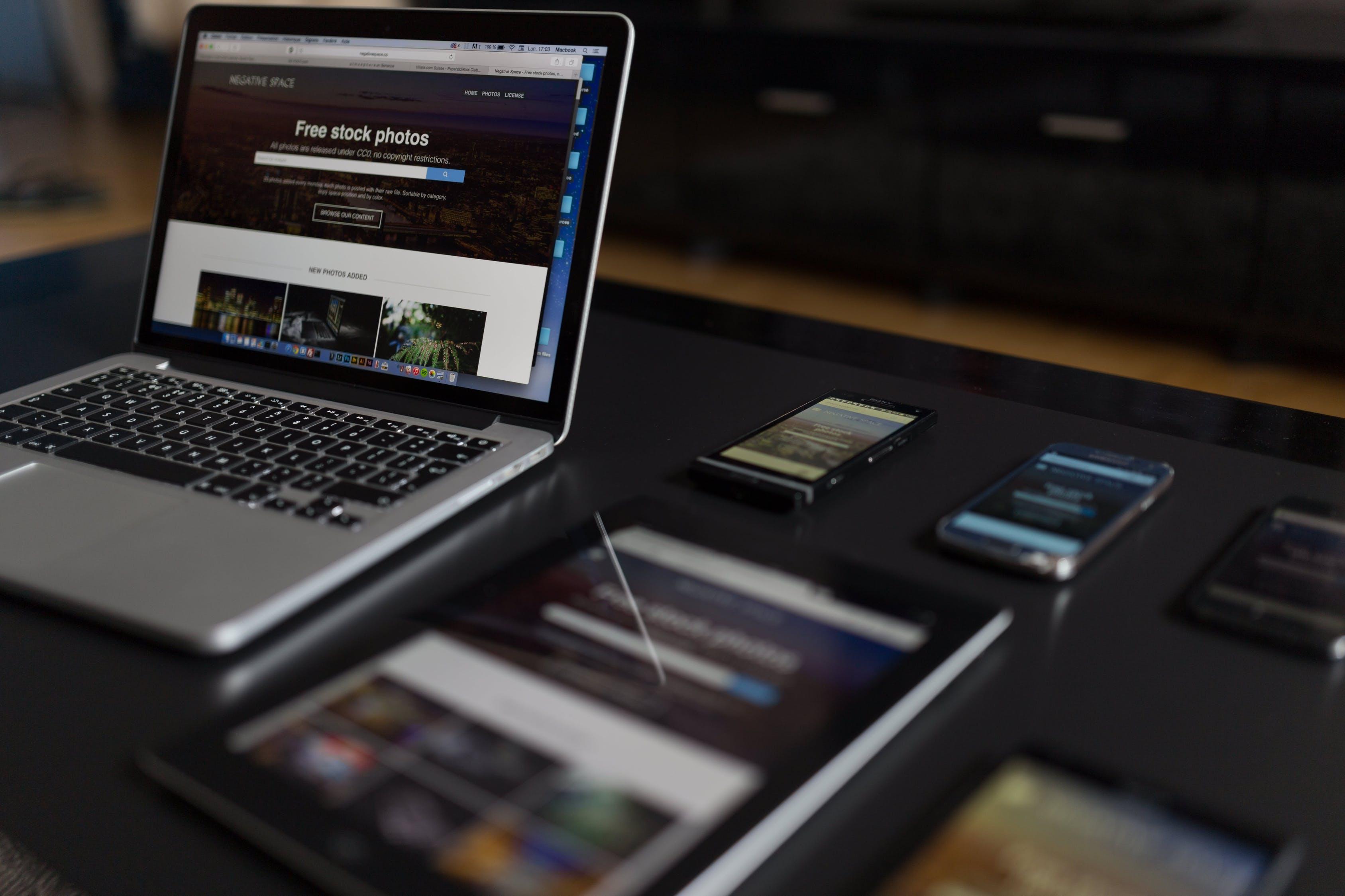 social media animation reseaux sociaux vweb
